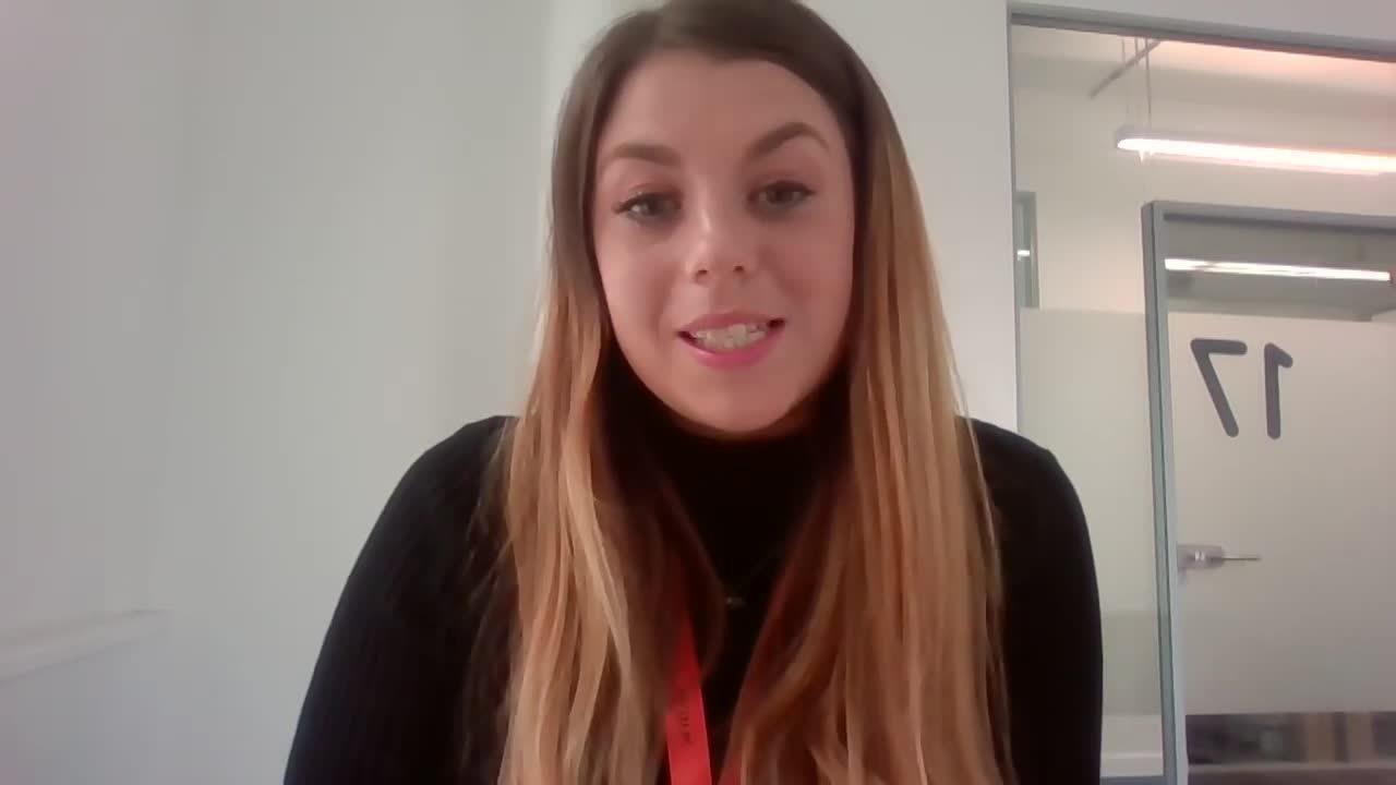 Employee spotlight - Lauren Intro