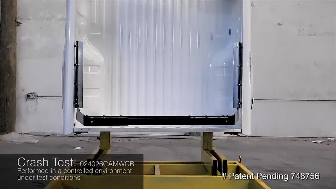 Camco - Canopy Cargo Barrier