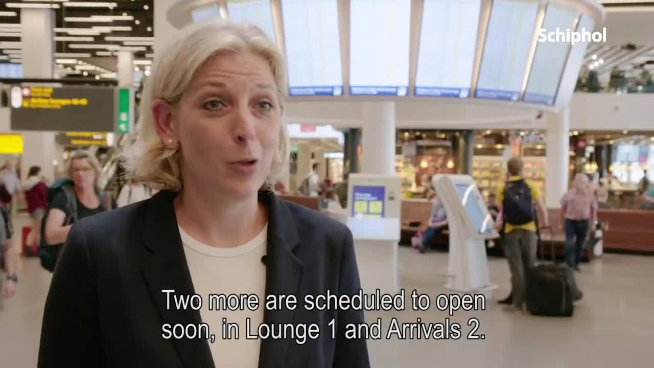 Nieuwe informatiepunten op Schiphol geopend