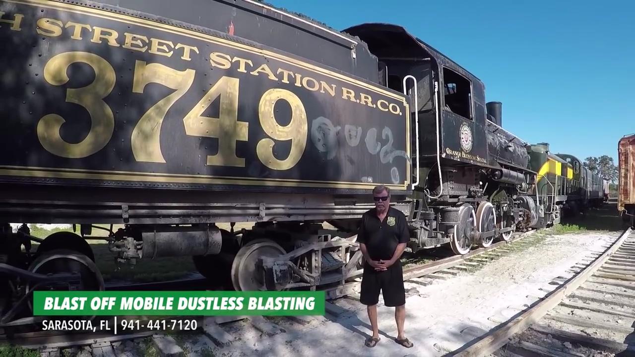 在铁路博物馆的古董火车恢复