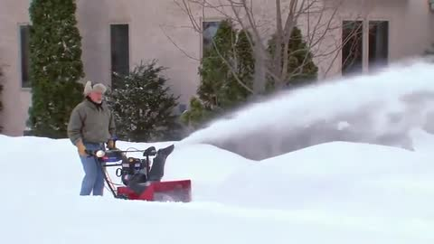 Toro® Power Max® HD: Snow Blower Product Features