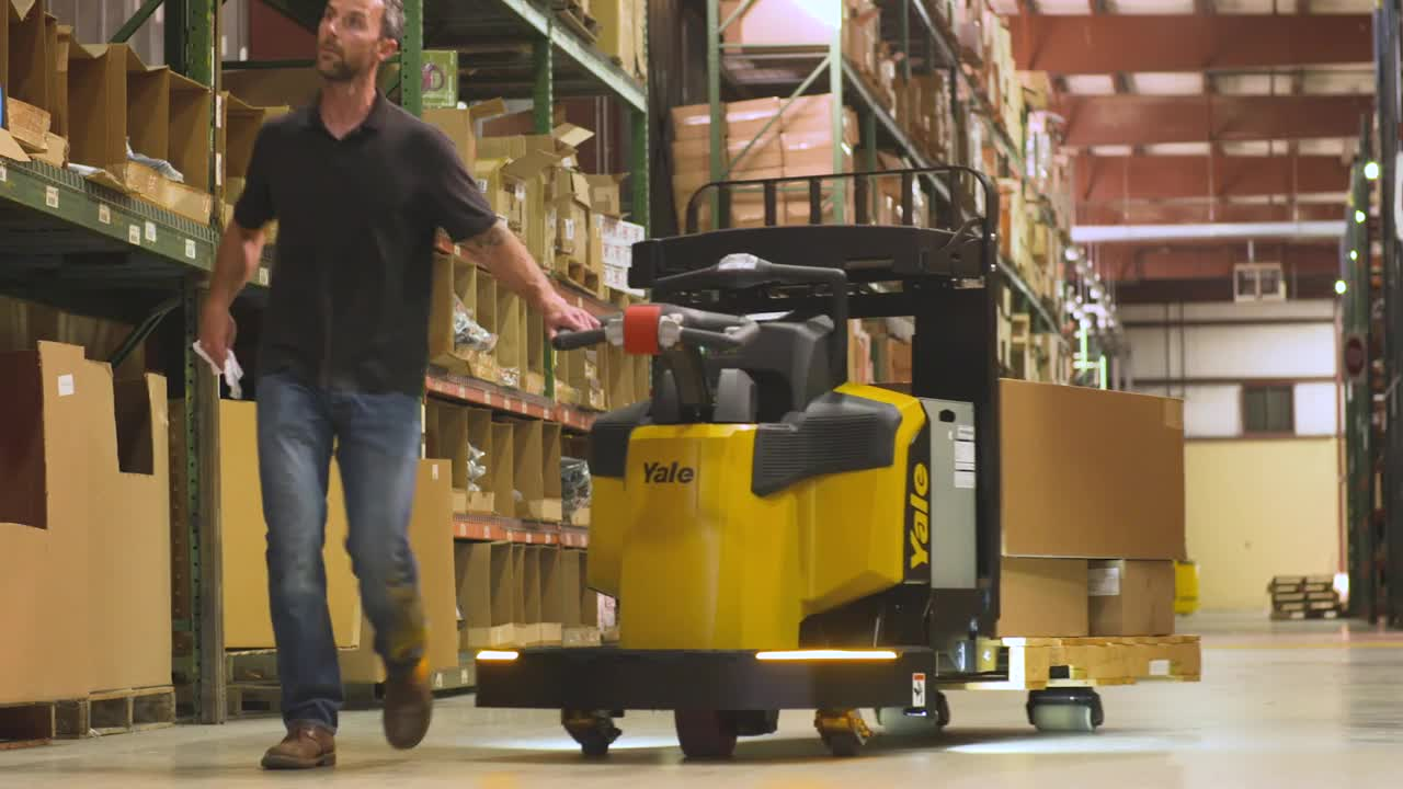 Hyster-Yale & ServiceMax: Transforming Materials Handling