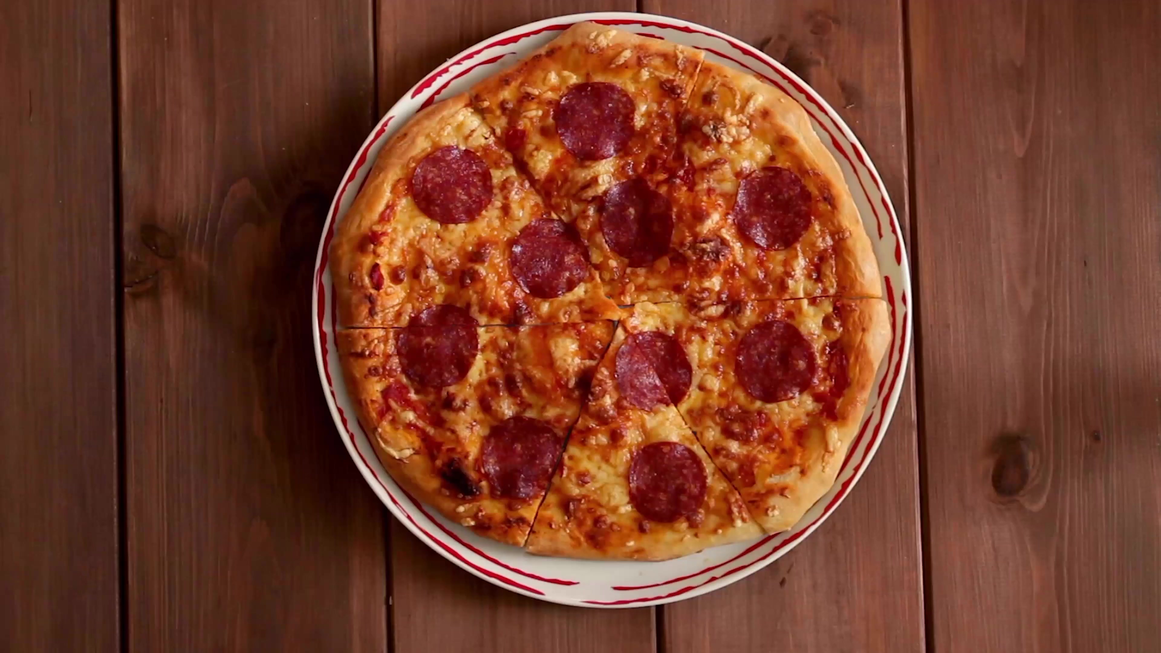 Tina - Pizza