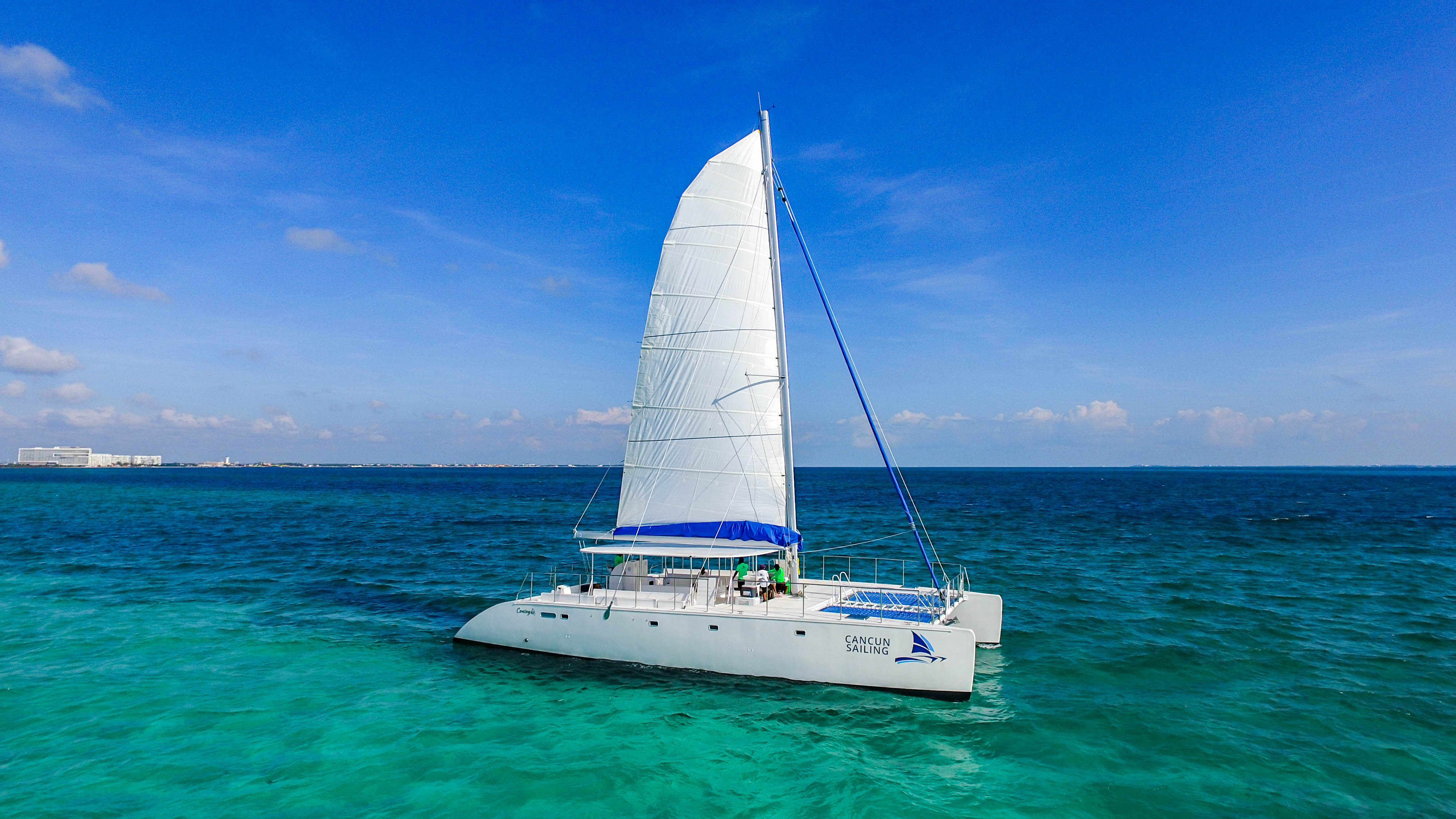 Maines - Cancun Sailing - Video