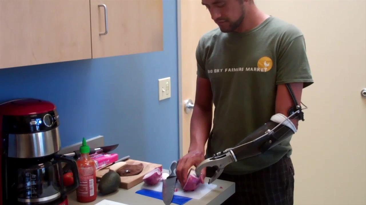 Eduardo Cooking