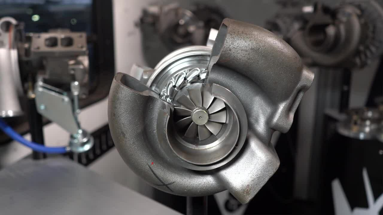 Compressor and Turbine of HE351VE Cut Away with Vanes