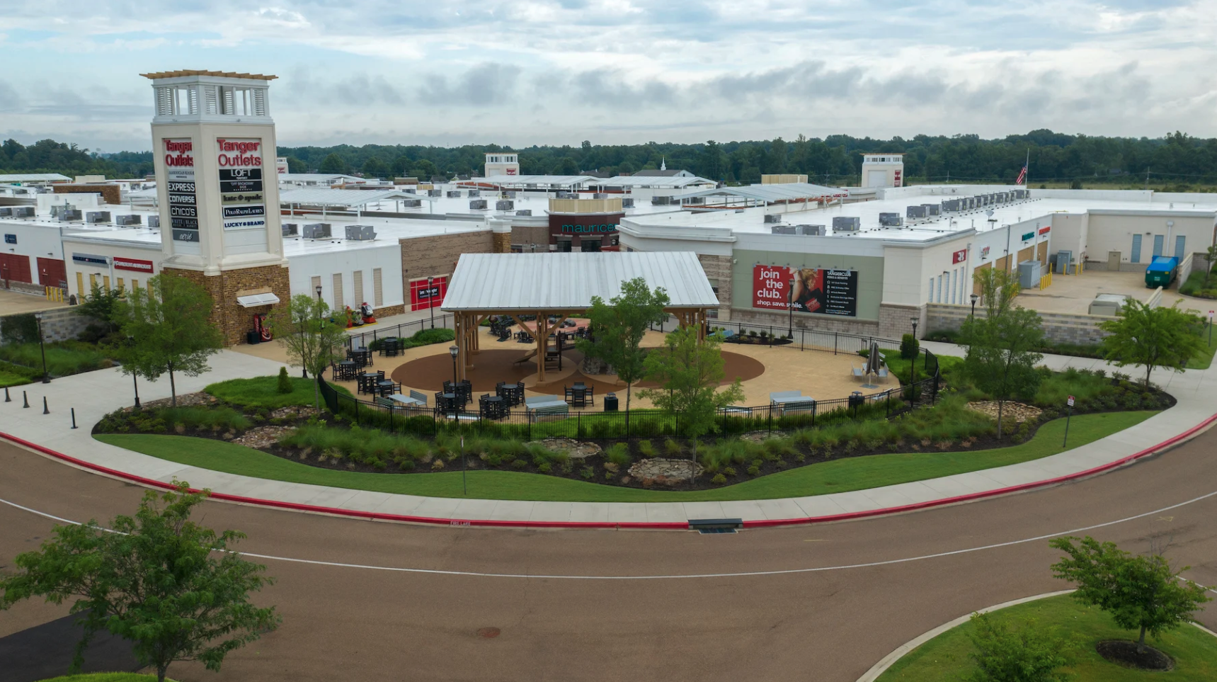 Retail and Shopping Center Landscaping - Michael Hatcher and Associates