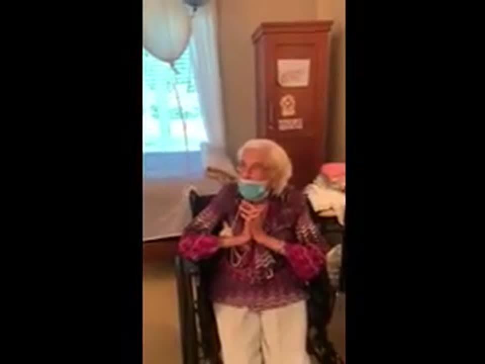 Jane - Bday Singing (1)