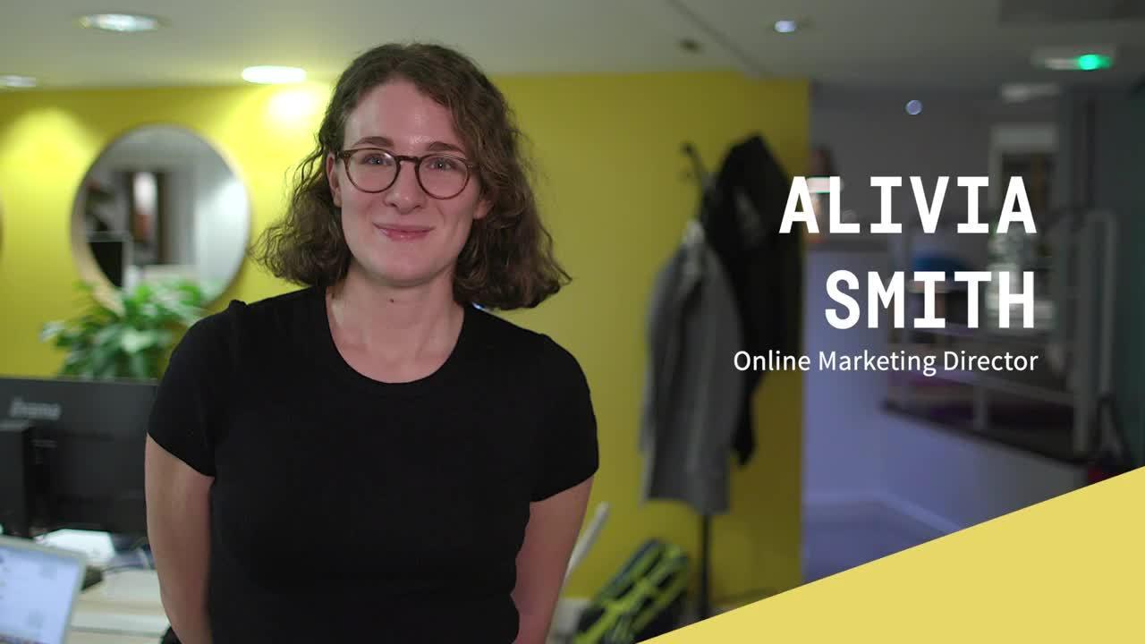 Alivia Smith Online Marketing Director