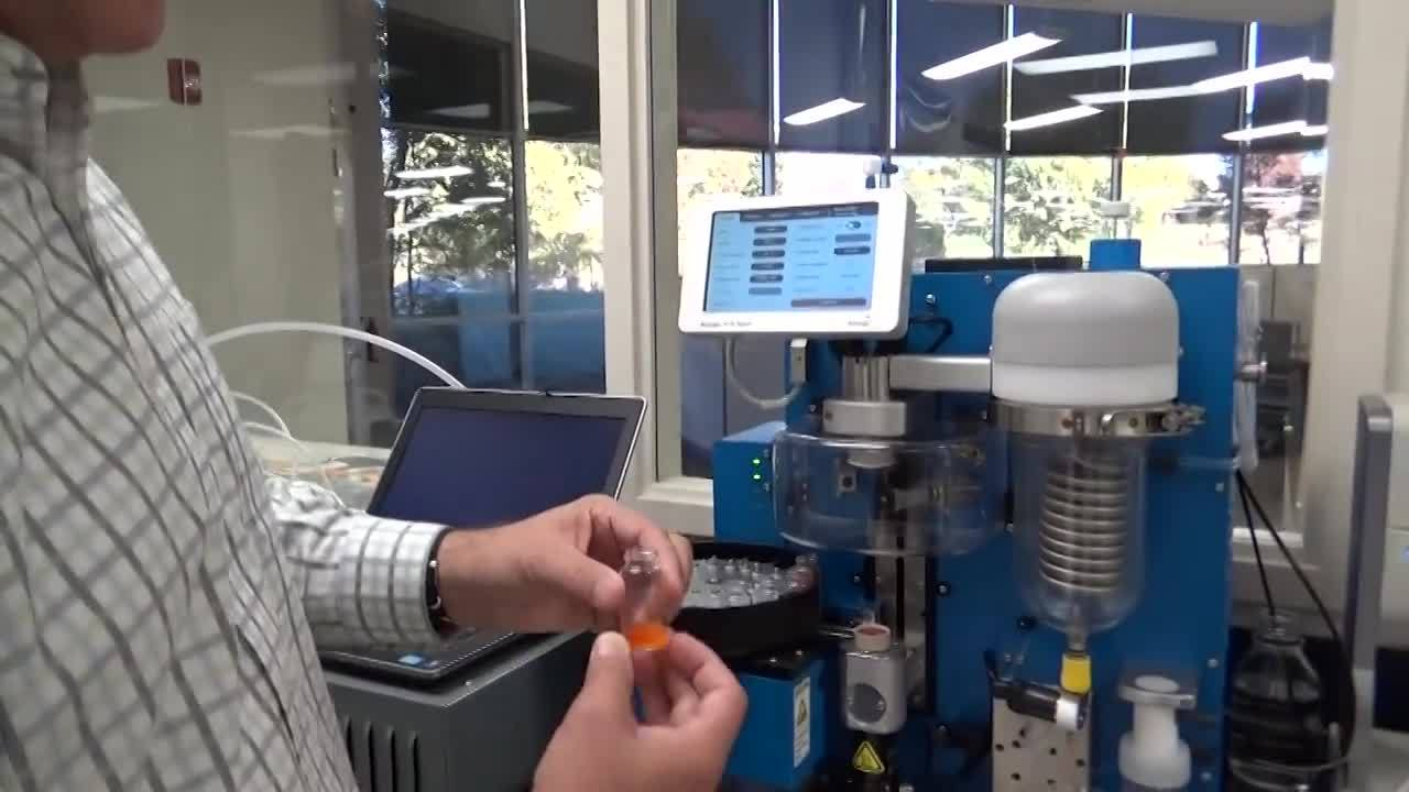 Biotage® V-10 Touch Demo Part 2 of 8 – Drying Samples Onto Silica