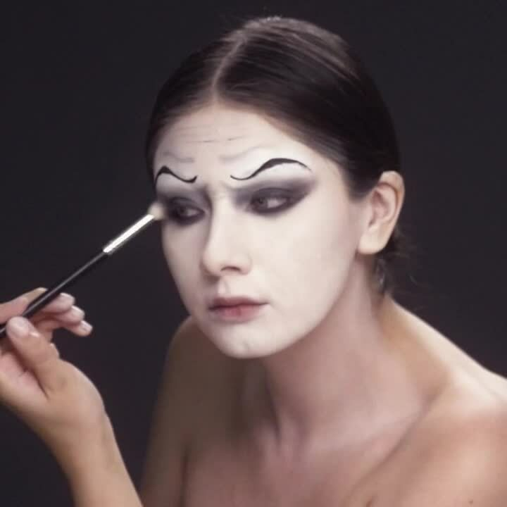 200818_Halloween_MakeupTutorials_Square_En_Clown_Final_1