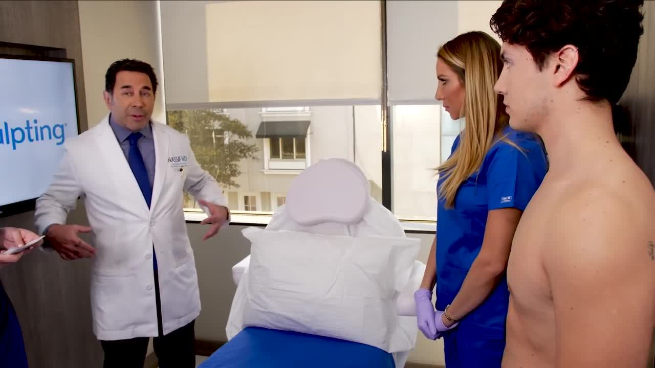Hollywood Doctor Give CoolSculpting Opinion