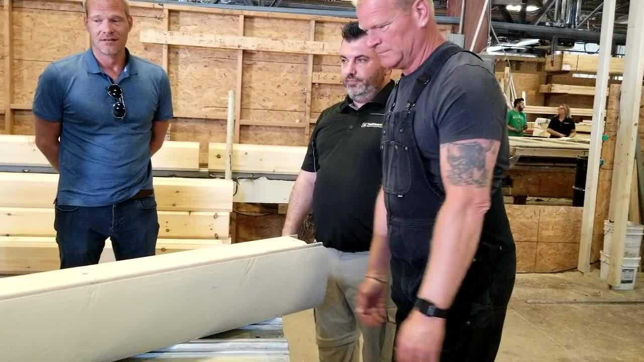 Mike Holmes Mascouche Surprise visit
