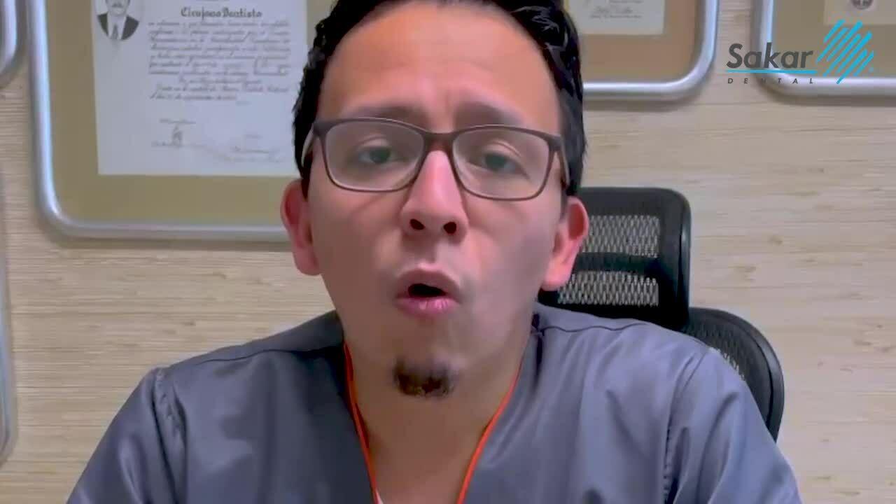 que-es-la-alitosis-sakar-dental-yecthi-pineda-1