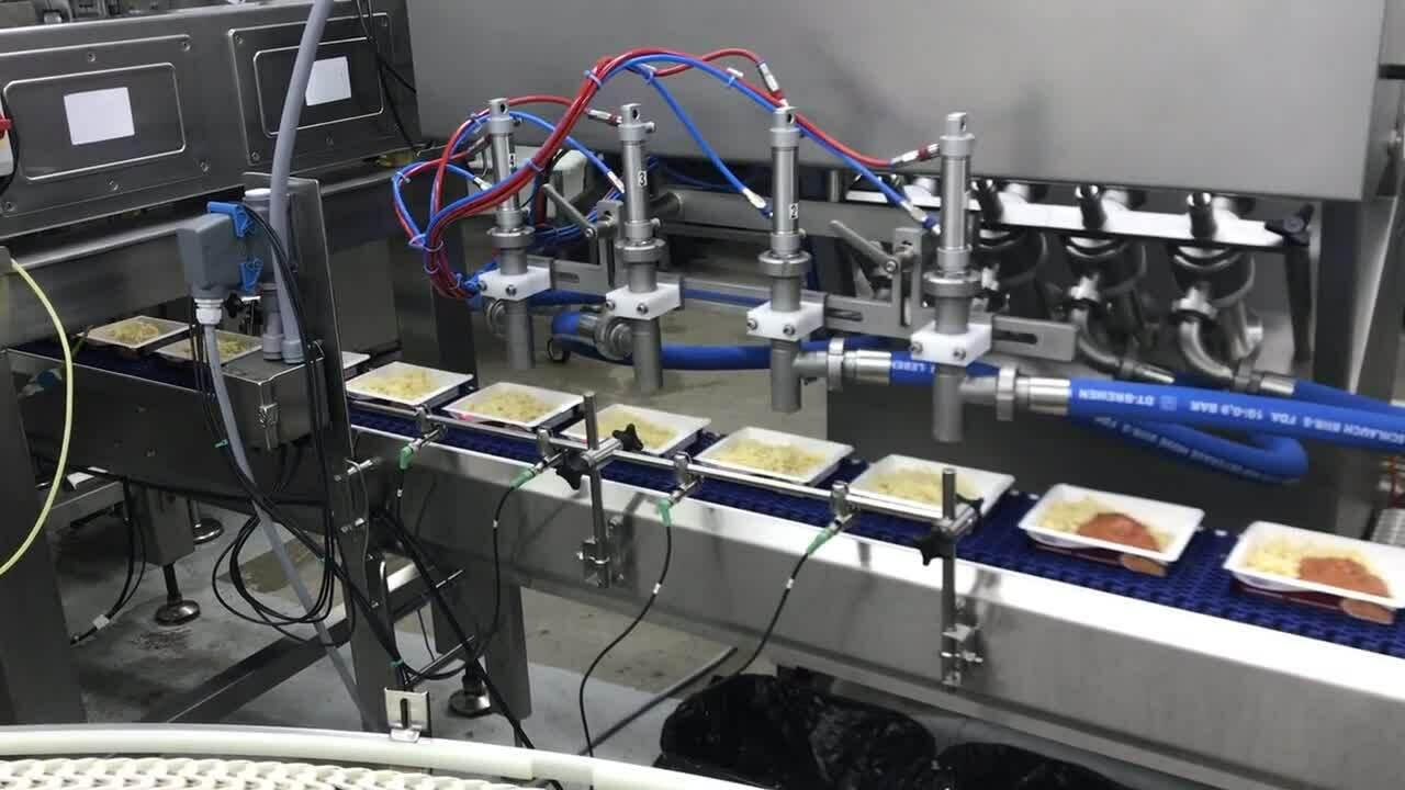 Bolognese in trays 4 head following servo