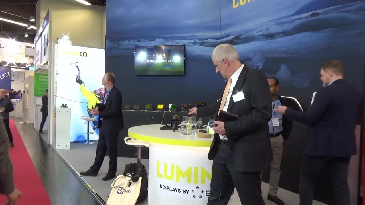 Lumineq rugged display at Embedded World_German