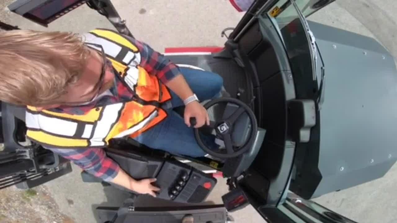 Kalmar Rotatable 180-Degree Forklift Seat