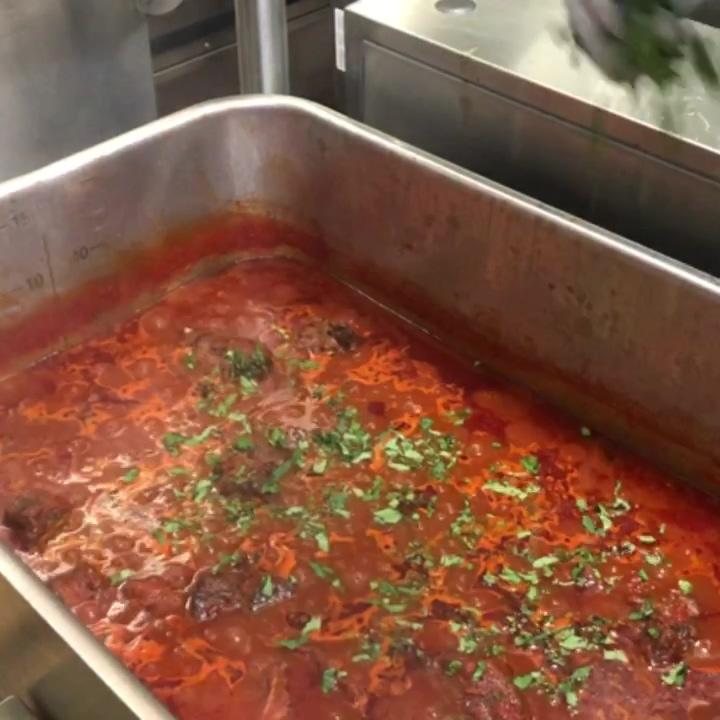 Chef Wades Marinara in braising pan