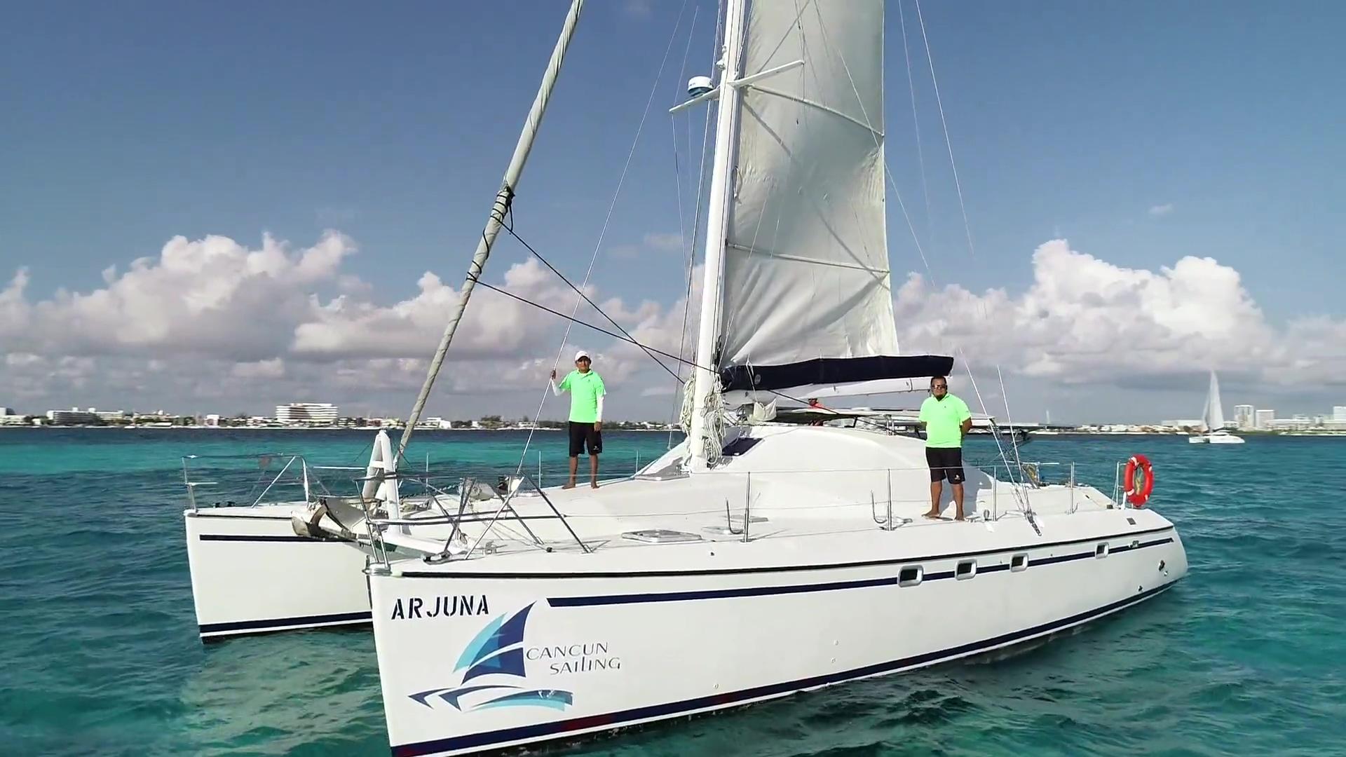 Catamaran Arjuna - Video