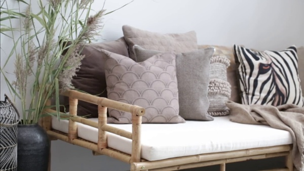 Mandisa Daybed