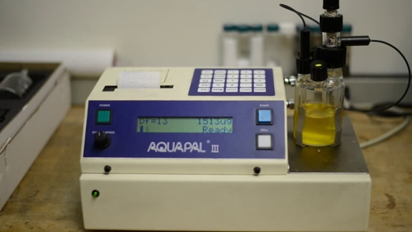 Aquapal testing moisture in Jet Fuel Oil