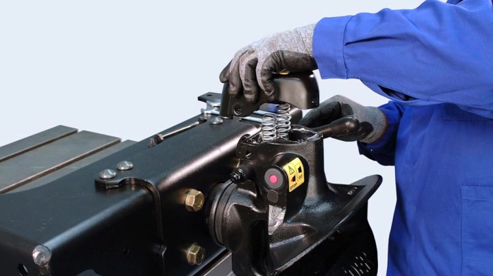EP13_Disassembling coupling bolt and pertaining locking springs