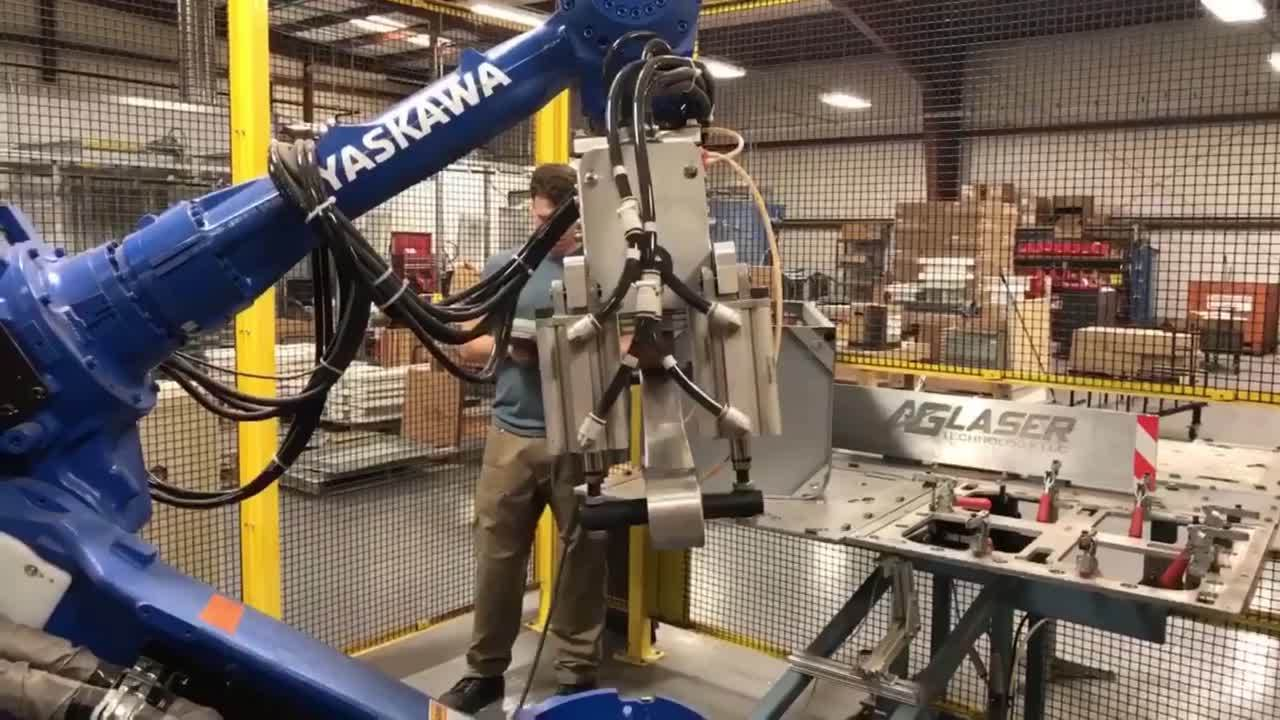 Motoman Robotic Welding Cell