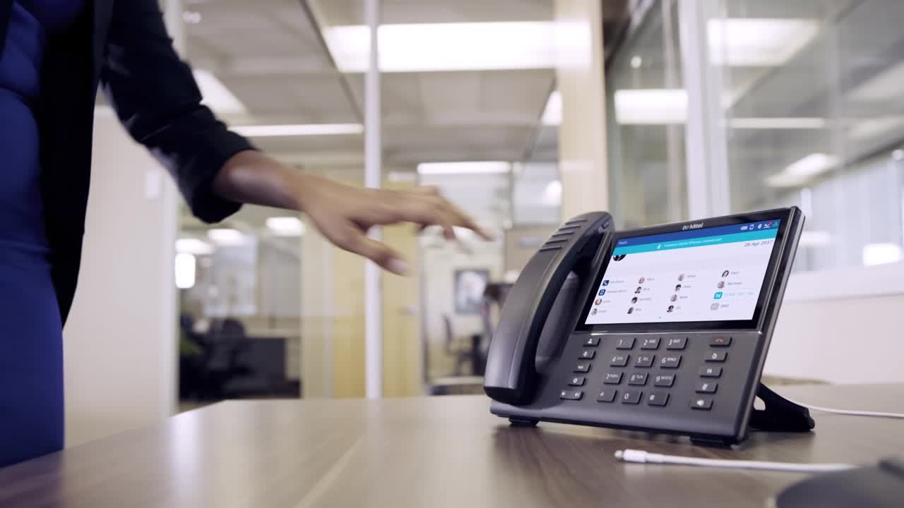 Mitel  MiVoice 6900 IP  Series - Day In The Life